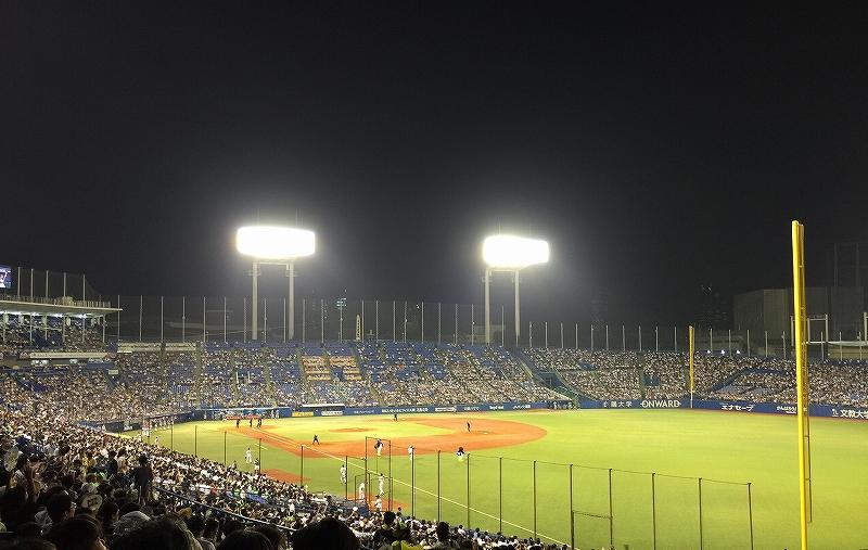 明治神宮球場:東京ヤクルトスワローズ本拠地